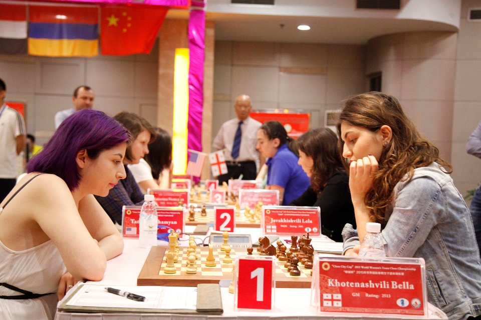 The U.S.A. (L) vs Georgia (R) encounter in progress (Pic Source: http://chengdu2015.fide.com/)