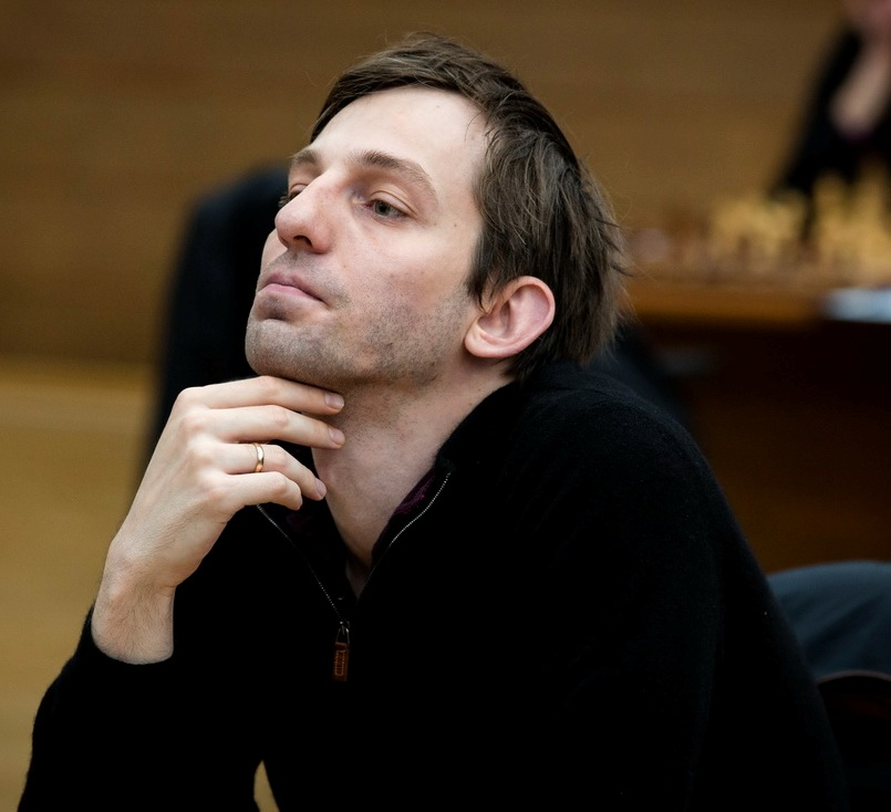 Dejection: Grischuk missed a nice drawing resource against Caruana. Grischuk 0-1 Caruana (Pic Source: http://khantymansiysk2015.fide.com/)