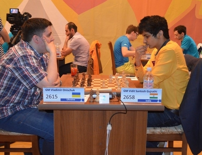 After a series of draws from Round 2 to 5, Vidit won a crucial game against Vladimir Onischuk in Round 6.